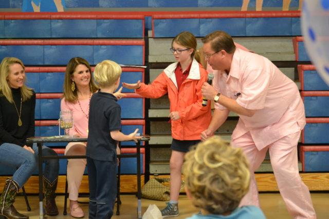 student picks bingo prize