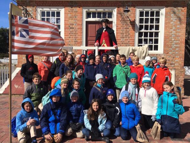 students take colonial charleston history tour